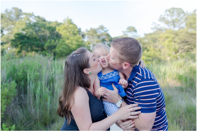 un Outdoors Virginia Beach Family Maternity Session