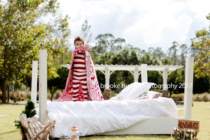 outdoor holiday portraits, holiday pajamas milk and cookies, florida child and family photographer brooke tucker