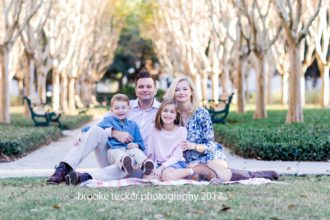 Florida child and family photographer Brooke Tucker,beautiful sun filled outdoor lifestyle family portraits